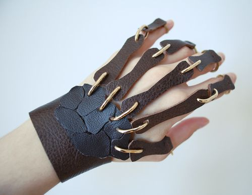 Skeletonhand_2