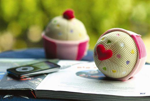 Cupcake_stereo-speaker_sm