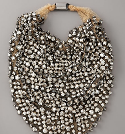 Modele-weddings-jewelry-du-jour-vera-wang-necklace