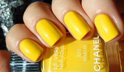 Chanel-Mimosa-yellow-nail-polish-manicure