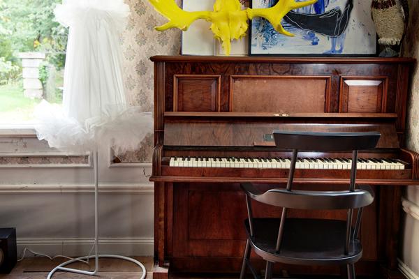 Ikea-ps-2012-piano-chair