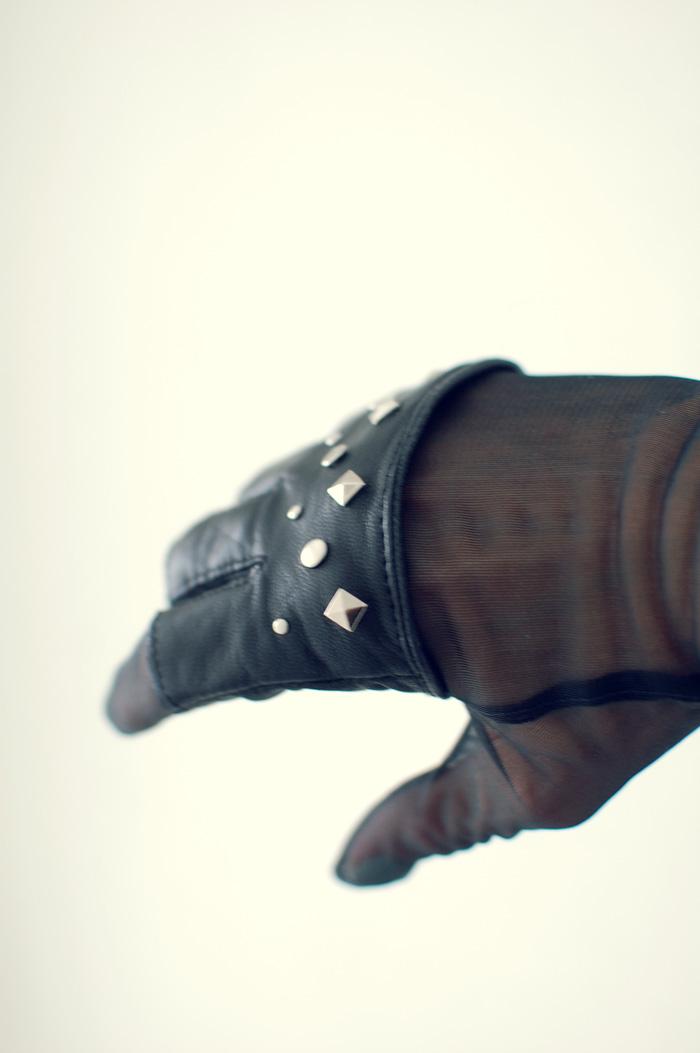 Blackgloves_4