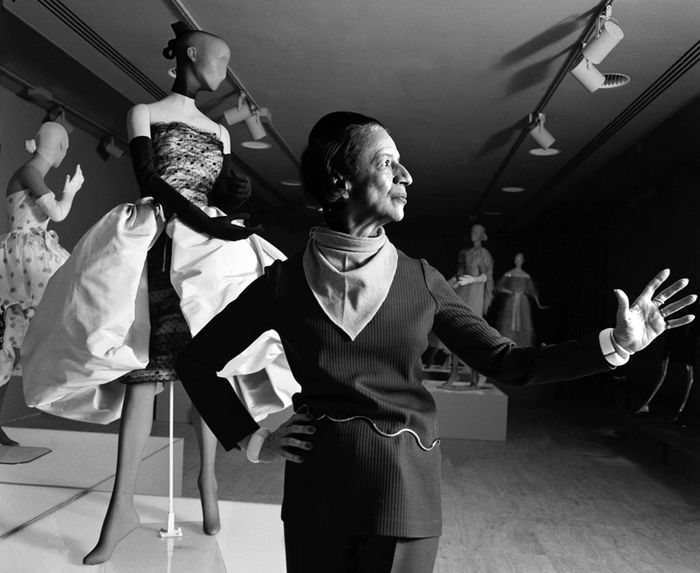 Diana-vreeland-fashion-arbiter-and-legendary-fashion-editor-of-harpers-bazaar-magazine-and-editor-in-chief-of-vogue-magazine-curating-the-world-of-balenciaga-nyc-1973-harry-benson1