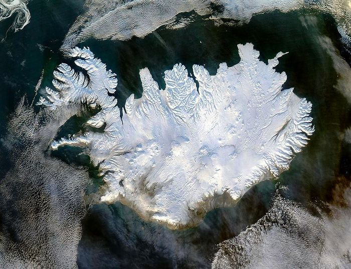 780px-Iceland_satellite