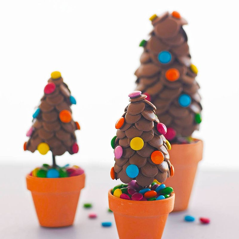 Original_candy-chocolate-button-christmas-tree