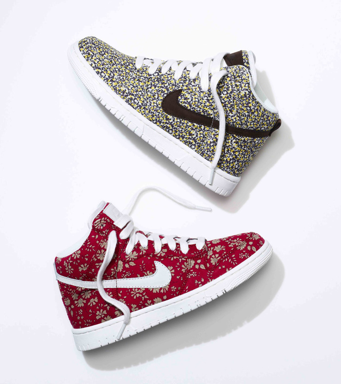 SU13_NSW_NIKEiD_DunkHigh_liberty_pair_2_19750