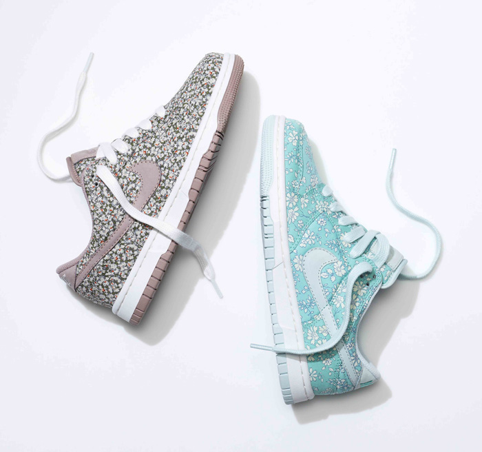 SU13_NSW_NIKEiD_DunkLow_liberty_pair_2_19751