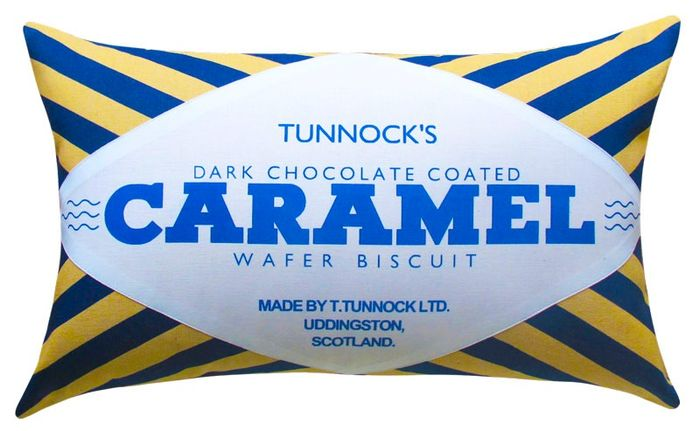CaramelWafer_DarkChoc_CutOut_WEB