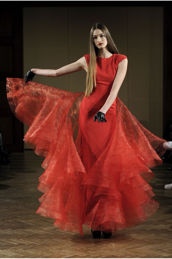 Lever-Couture-Red-Hourglass-Dress-With-Voluptuous-Nylon-Volants-couture-society-592136a6e26a15a0106168e0d05a03ea--1x-1