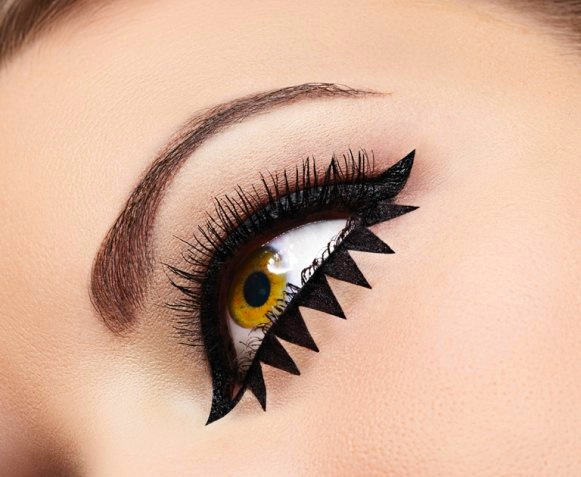 Eye Rock eyeliner trends image 2