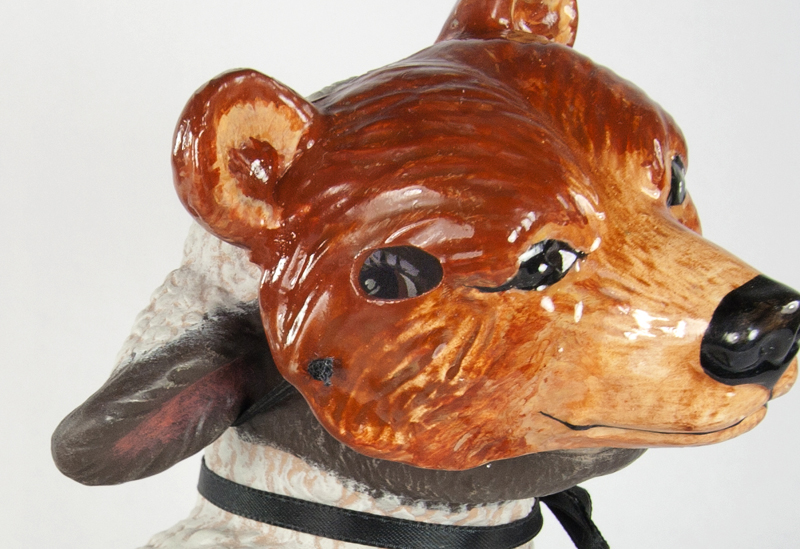 30_lamb-with-bear-mask-detail