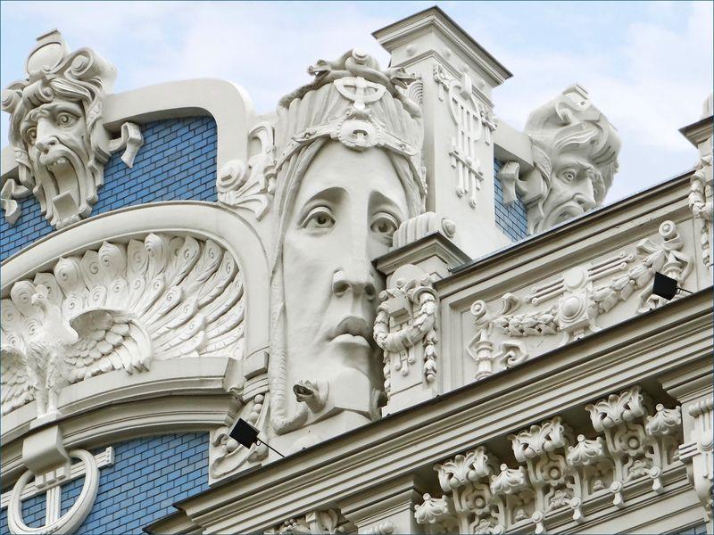 Immeuble_art_nouveau_(Riga)_(7558514582)