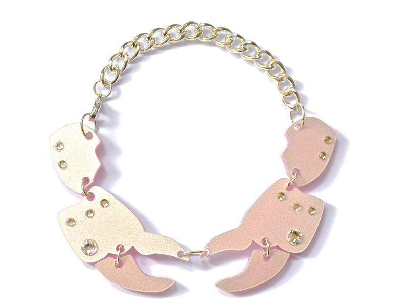 Crab_claw_bracelet_1024x1024