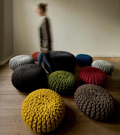 Urchin-pouf