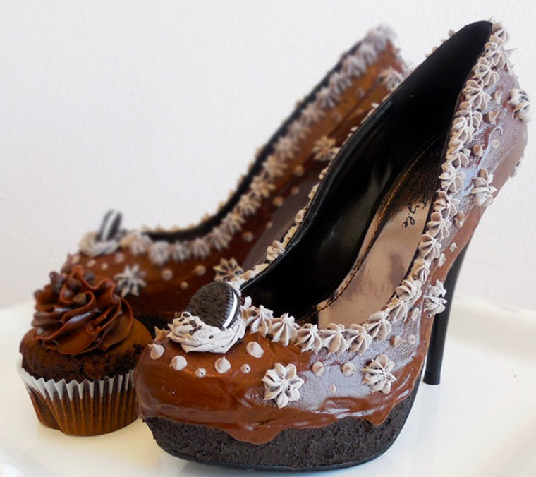 Chocolate-oreo-pumps