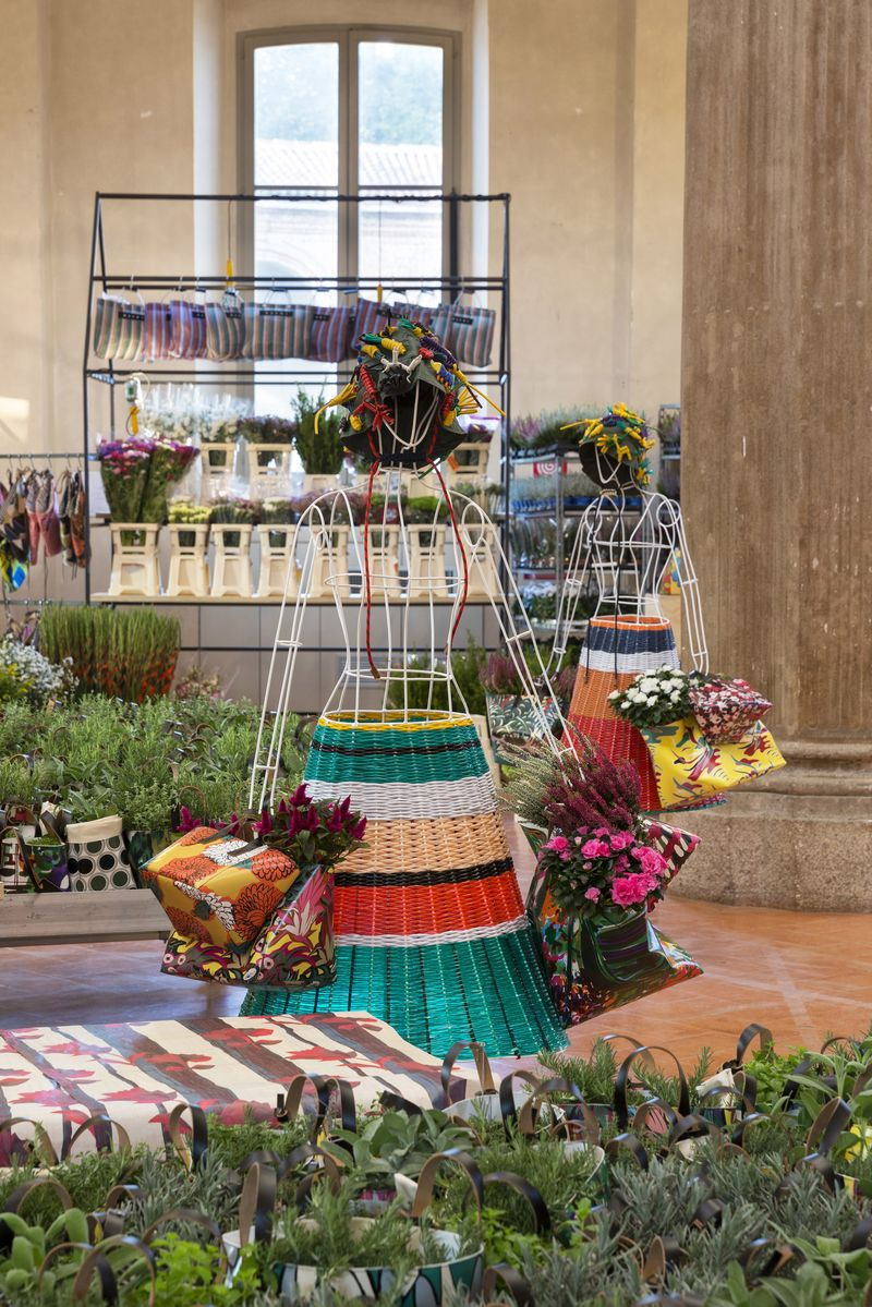 02 ñ MARNI FLOWER MARKET Installation Milan September 21