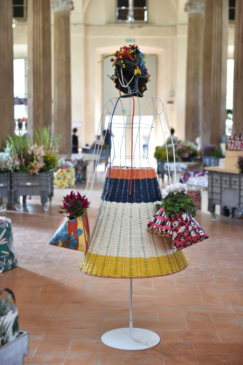 10 ñ MARNI FLOWER MARKET Installation Milan September 21