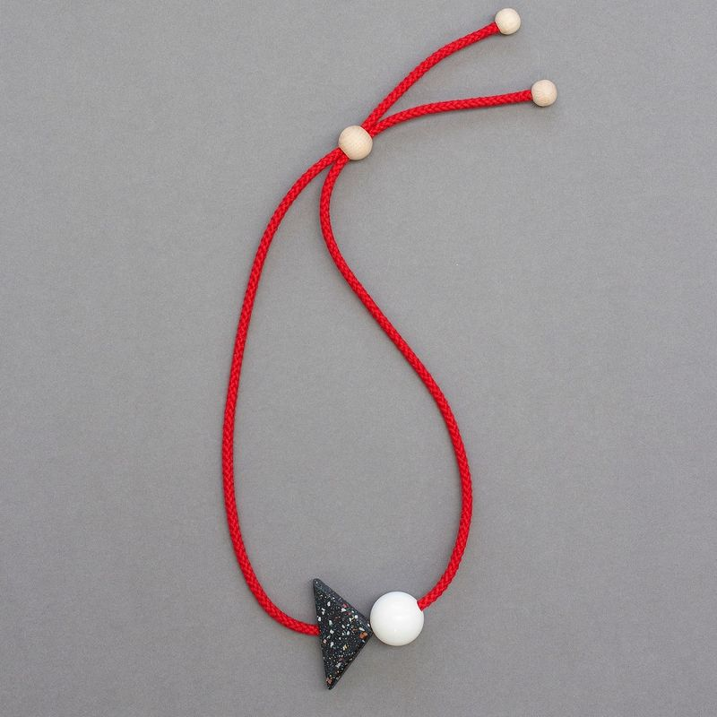 Konstantin-necklace-02-one-made-earlier-1