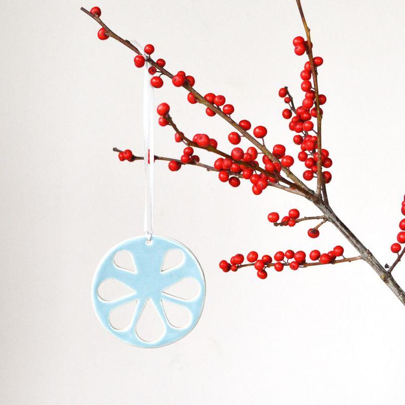 Large_decoration_round_B_blue_small