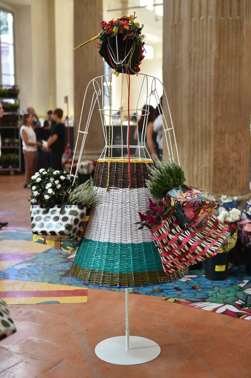 12 ñ MARNI FLOWER MARKET Installation Milan September 21