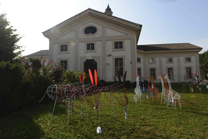06 ñ MARNI FLOWER MARKET Installation Milan September 21