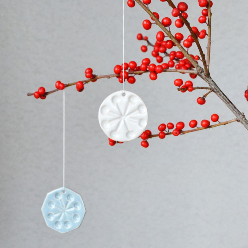 Pressed_decs_on_berries_small