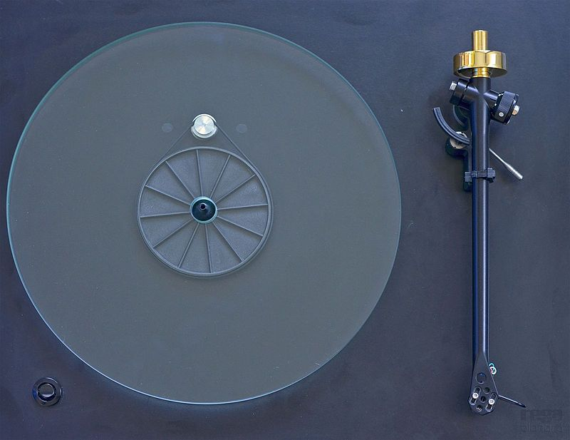 800px-Planar3_from_above