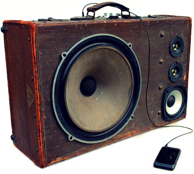 Basstrunkie_suitcase_speaker_large3